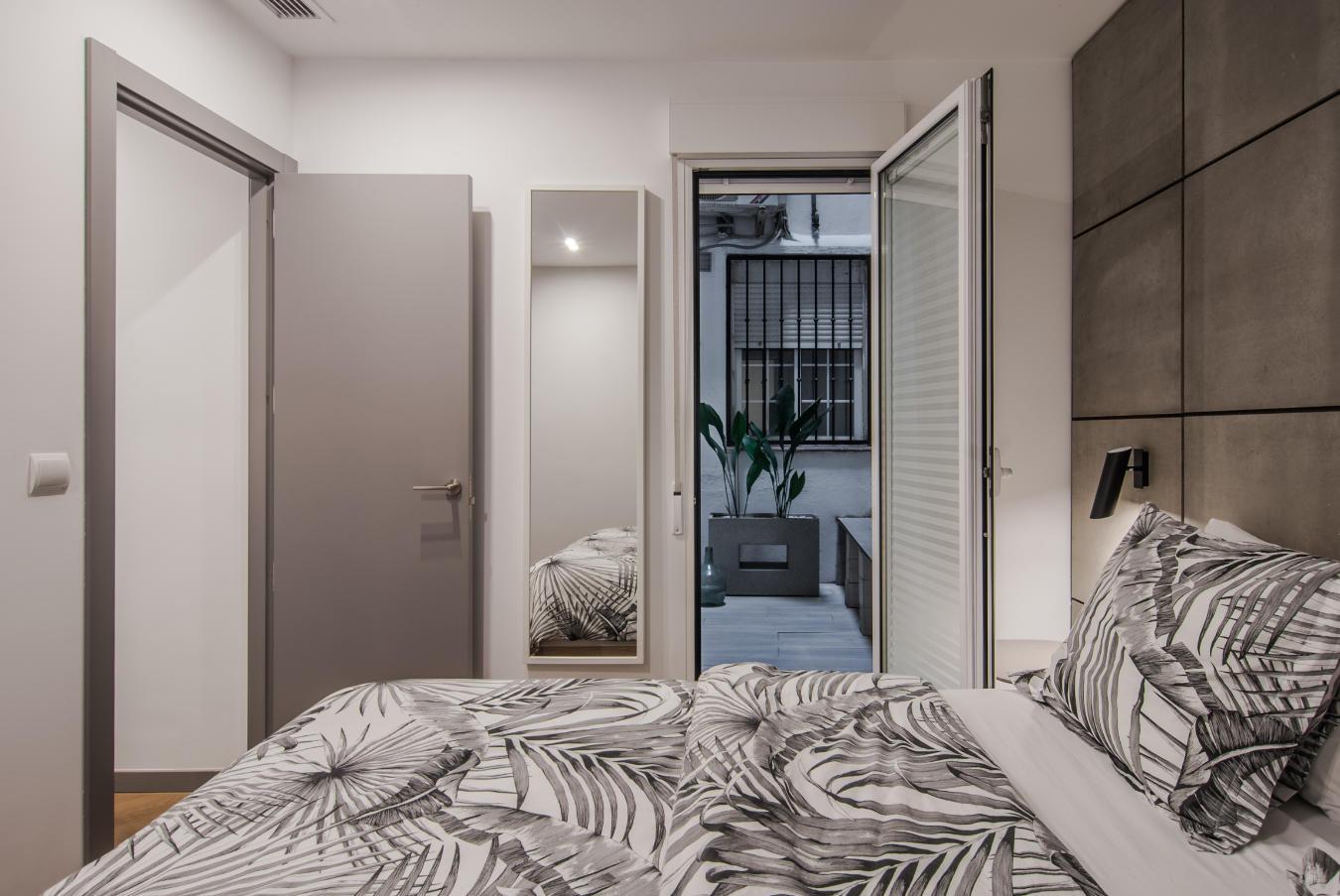 Dormitorio y dos puertas San Vicente Ferrer